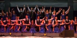 Jazz Choir performs final Cabaret show