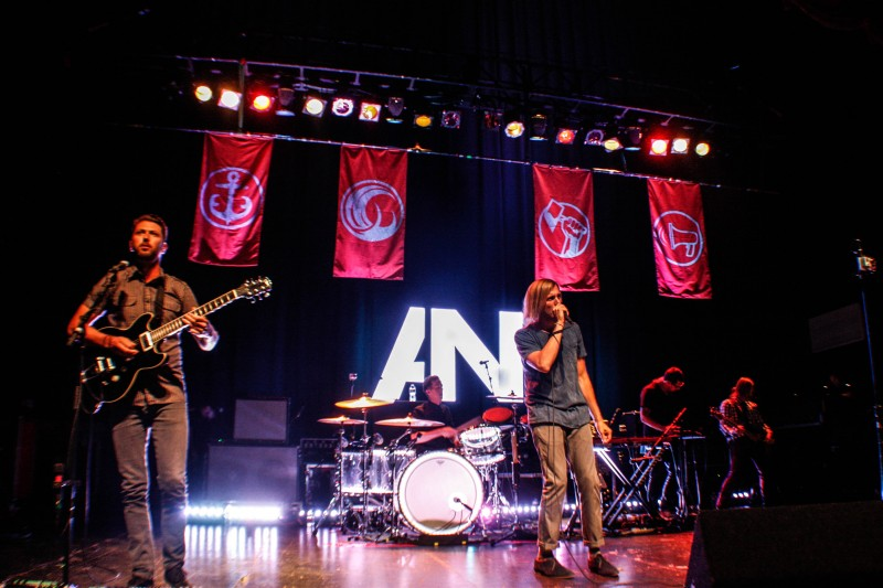 AWOLNATION performance in Los Angeles, 2012. Photo by Bethany Smith via Creative Commons