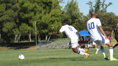 Men's soccer battles Sheldon to draw in the heat