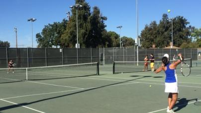 Women's tennis beats back Pleasant Grove
