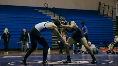 Men's wrestling falls to Franklin and Elk Grove in home matchup