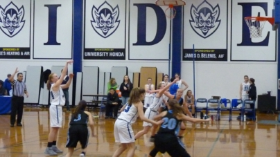 Lady Blue Devils fall behind early against Pleasant Valley
