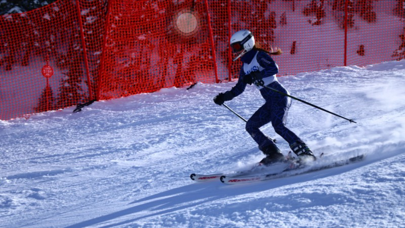 Junior Laura Hiller Ski's Down Slope in Monday's Race