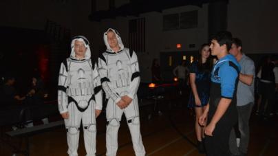 """Spring """"Star Wars"""" dance satisfies students"""