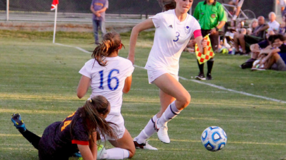 "Women's soccer edges St. Francis 1-0 in ""Blackout"" game"