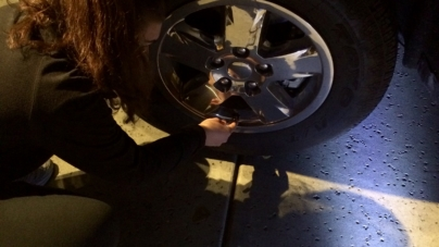 DIY: How to check tire pressure
