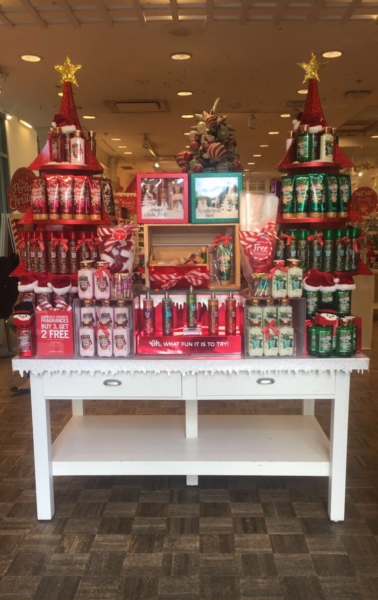 Bath and Body Works is going all out for the holidays by changing all of the blue into the store to red. They are also putting out their holiday scents that people look forward to such as Vanilla Bean Noel .