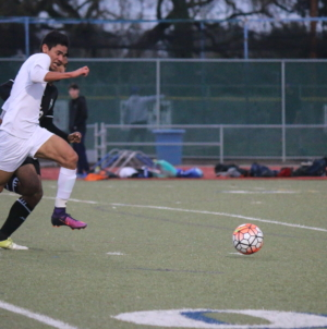 Men's soccer defeats Sheldon, earns League spot