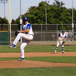 PHOTOS: Baseball steals win from Jesuit