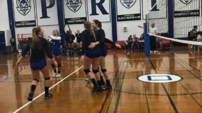 Women's volleyball defeats Franklin in an emotional game