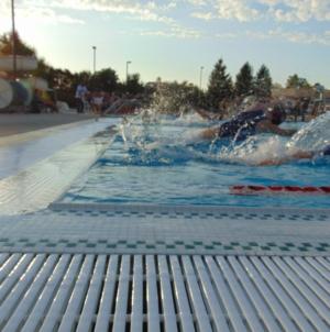 Women's water polo thrashes Rio Americano