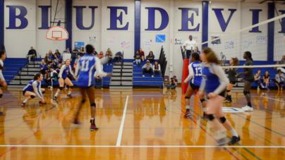 HIGHLIGHTS: Varsity Volleyball Squashes Sheldon