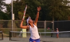 Women's tennis beats Pleasant Grove on Senior Night