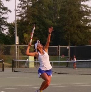 Women's tennis beats Pleasant Grove on Senior Night