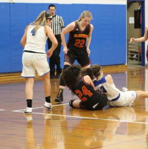 Women's basketball beats buzzer and St. Francis