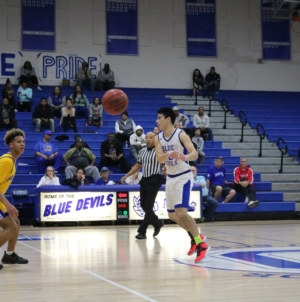 Men's basketball shines in fourth quarter against Pleasant Grove
