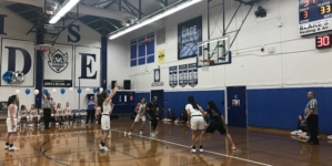 Women's basketball wins, men's loses on Senior Night