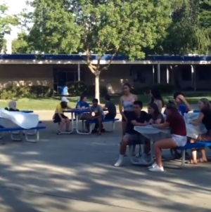 Music on the quad attracts students