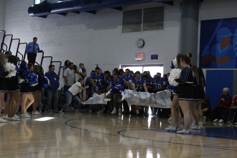 Varsity football prepares for homecoming game against Franklin