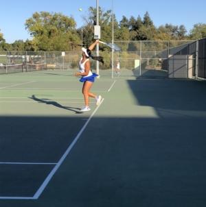 Women's tennis wins final home game before playoffs