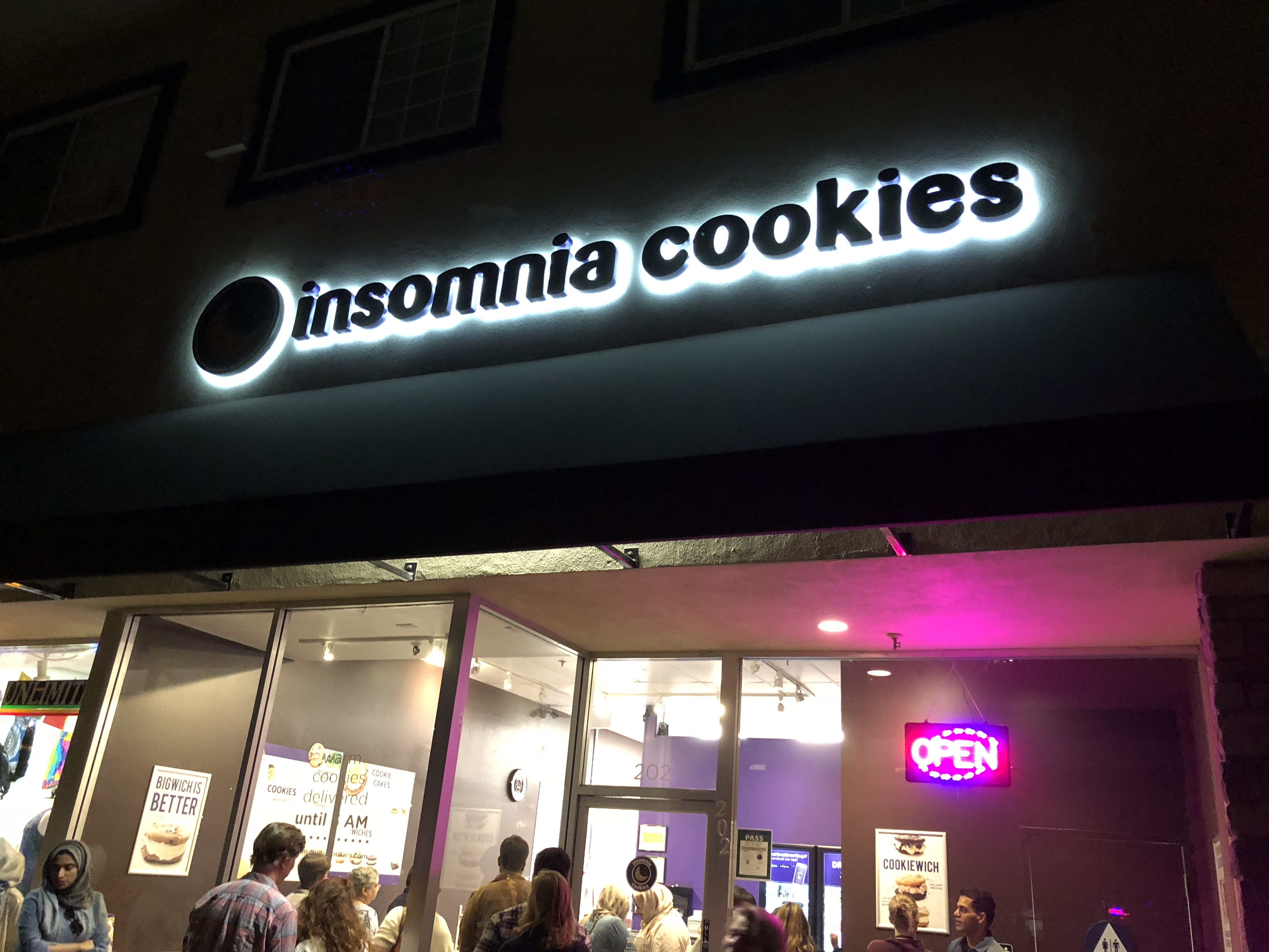 Review: Insomnia Cookies lacks quality, but is convenient