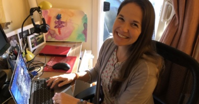 STAFF PROFILE: Lara Polse assists students using online therapy