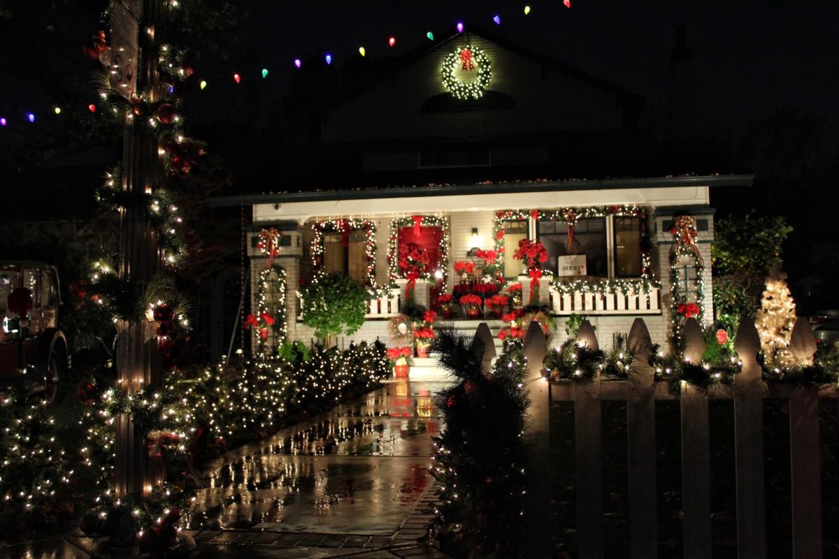 Fab Forties Sacramento Christmas Lights 2021